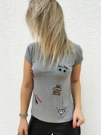 T-Shirt Feminina Bordada Patches